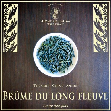 Brume du long fleuve thé vert