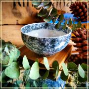 Tasse chrysanthème, porcelaine translucide.